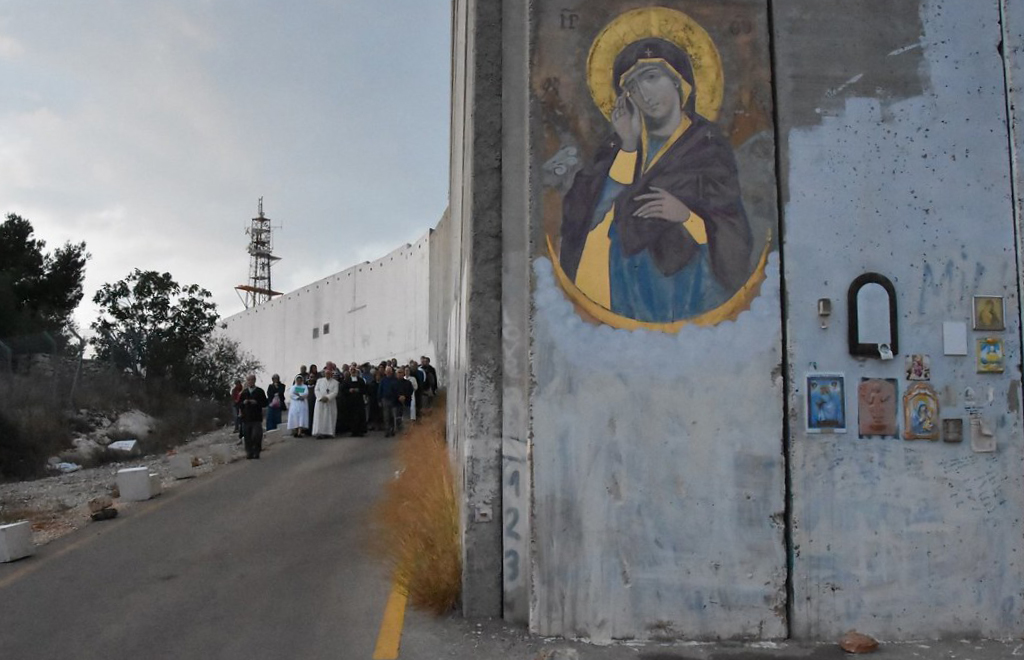 Bethlehem draws people to pray before icon of Our Lady Who Breaks Down Walls