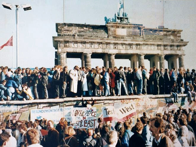 EU Bishops call for dialogue on the 30th anniversary of the fall of the Berlin Wall